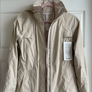❤️Rare❤️NWT Lululemon Fo-drizzle jacket in cashew